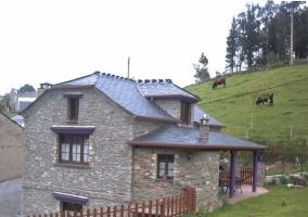 El Dolmen - Villayon, Asturias