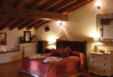 Colirrojo - Los Sitios de Aravalle - Casas Del Abad, Avila