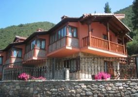 Apartamentos La Montaña