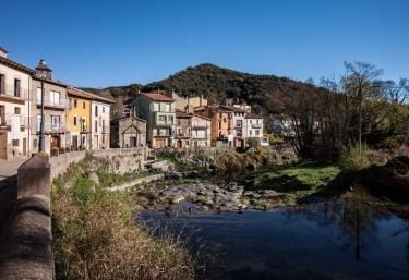 Can Mau - Sant Feliu De Pallerols, Girona
