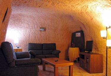 Cueva Castillo de Peñaflor - Valtierra, Navarre