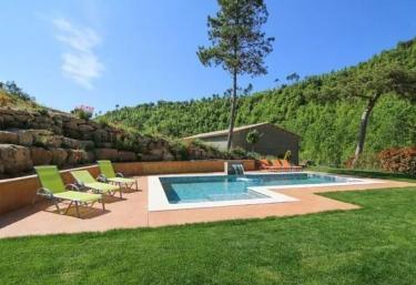 Casa Rural Cal Rebotit - Viver I Serrateix, Barcelona