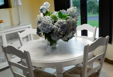Round and white dining table