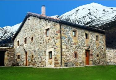 Casa Rural El Corcu - Argüeso, Cantabria