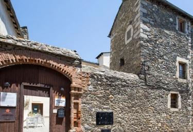 Albergue Anna María Janer - Llivia, Girona