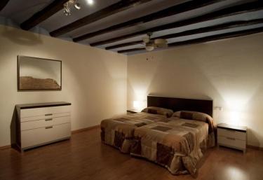 Apartaments Turístics El Jaç- Barrambau - Montblanc, Tarragona