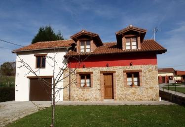 Casa rural Nel Solanu - Nava, Asturias