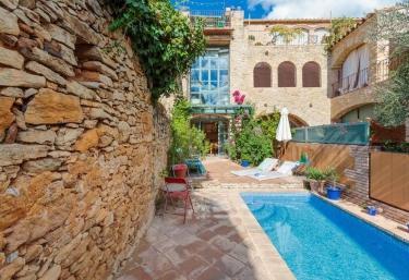Flateli Peratallada - Peratallada, Girona