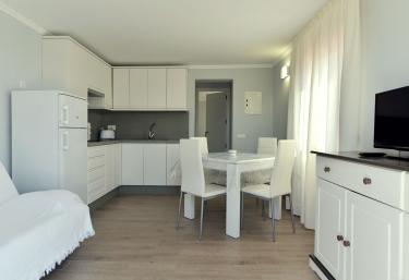 Apartamentos Turísticos Sol i Pins - Platja Mitjorn, Formentera