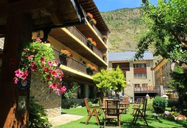 Hotel Saurat - Espot, Lleida